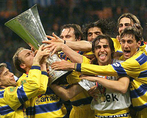 http://theghostgoal.files.wordpress.com/2010/05/parma-99.jpg